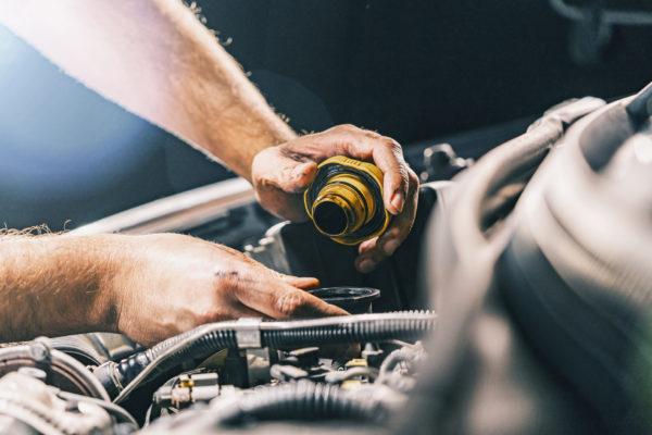 Como é feita a manutenção de um carro blindado?