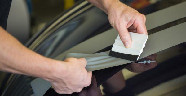 Como solucionar a delaminação de vidros do seu automóvel?